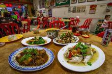 当地人带路,出发热浪岛、停泊岛或浪中岛前我给你准备了一份【唐人街美食攻略】,你可以先尝尝道地的美食料