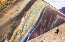 秘鲁安第斯山脉彩虹山。  