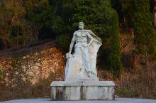 江西井冈山景区的袁文才雕像。