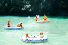夏季出游周末假期约了三五好友去体验有着奇幻漂流的 巴山大峡谷 位于大山深处的山泉水漂流迎面而来的是期