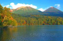 阿寒湖的美丽秋色