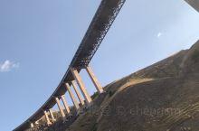 有名的果子沟大桥,不是最长的环桥,但却是数一数二的好看的桥,很值得去看看。