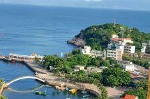 外伶仃岛风景很好,海风吹着很舒服,而且海鲜很好吃,也很实惠,很惬意,放松的好地方。