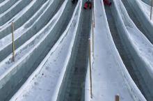 伊尔库茨克市的天然冰滑梯