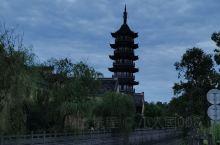 夜幕下的天宁寺千佛阁,别有一番韵味。