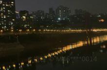 大美重庆,重庆新高度!重庆嘉陵江岸边,有去的的朋友吗?谁知道重庆有哪些旅游景点?重庆有哪些红色根据地