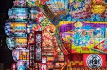 日本东北 秋田县 – 能代七夕「天空不夜城」.百年后重新复兴的七夕夏祭,日本最大级城郭灯笼。 虽然秋