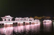 夜晚亮灯的广济桥