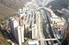 陕西最窄的县城商洛柞水县,县城建在河谷中,最窄处只能建两座楼