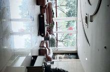 房间宽敞,干净,入住舒适。适合亲子,老年人入住,离湿地公园,水街,远景楼都很近。