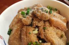 这儿的菜好吃,真的感觉东江湖的水养人,菜也很地道的,特别是服务态度很好的