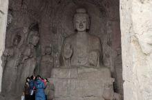 宾阳洞,原名灵岩寺,由宾阳中洞、宾阳北洞、宾阳南洞三个洞窟组成。 宾阳洞始凿于约北魏景明元年(公元5
