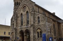 巴斯大教堂是巴斯的标志性建筑,也是巴斯国际音乐节和其他重大节日活动的举办场所。始建于公元八世纪。这里