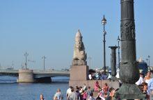 俄罗斯随手拍系列22-涅瓦大街  涅瓦大街 在1776年就被发展成为商业大街,从那时开始就建造了许多