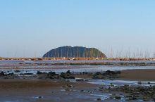 以滩涂风光著称的霞浦,单单小皓保留着一片沙滩,很多有关霞浦的佳作都是在这里诞生的.小皓其实不是严格意
