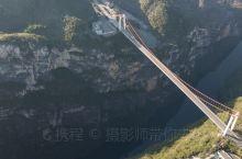 北盘江大桥 北盘江第一桥,原称尼珠河大桥,位于云贵两省交界处,世界第一高桥,是杭瑞高速贵州省毕节至都