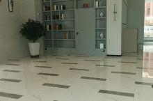 不错不错,新酒店,设施很完善,价格也合适,房间挺大的,床相当柔软舒服,体验很好!