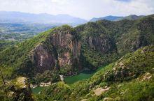 天台山风景区的景点之一,站在山顶俯瞰,很壮观。