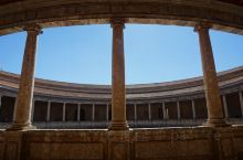 阿尔罕布拉宫的查理五世宫,虽然人不多,但拍照还是不错的