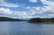 Dam 很大的水库,风景非常美,咖啡也好喝