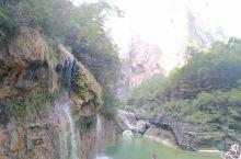 焦作云台山风景区是我国著名的风景名胜区,这里是天然的国家地质博物馆,红石峡很漂亮。