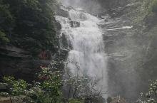 利川佛宝山瀑布