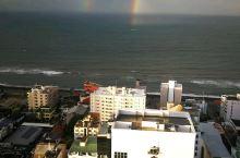 印度洋上架起双彩虹