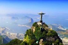 🍀里约热内卢  一个骄阳似火的城市,是大西洋最璀璨的明珠。  市中心保留了大量殖民地时期的建筑物,包
