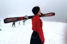 雪山飞狐的侠客情怀,带上你的汉服,来九宫山来实现! 滑雪准备:带好手套帽子,墨镜,穿亮色衣服,这样拍