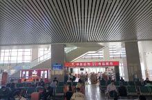 兰州高铁西站,是西北区域的客运中心,车流和人流密集。西站面积大,旅客比较舒适。特别是去机场特别方便,