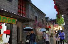 """在桂林东西巷里的正阳东巷,有间讲古堂,可谓闹中取静、怡然自得。""""讲古""""在两广的方言中就是""""说书""""、"""""""