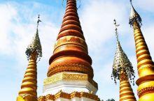 """勒金塔,傣语称""""广母贺卯"""",意为在坝子马头的塔,它距云南瑞丽市东北公里,是瑞丽最古老的佛教建筑、佛事"""