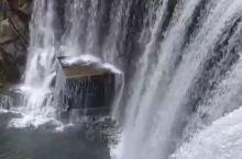 依山居农家院附近的大瀑布