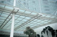 海口世纪大桥旁的华彩华邑酒店