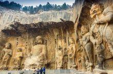 龙门由大禹治水中所开凿,鱼跃龙门的传说亦发生于此。其石窟则始凿于北魏孝文帝年间,盛于唐,终于清末。历