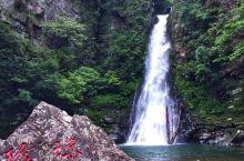 龙潭瀑布群是井冈山内的一个主要自然景观~ 景区内的瀑布真心迷人~其中仙女瀑虽然不大,但真的很形似哟~