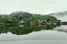 雨后的庐山如琴湖