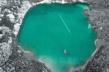 毕业旅行去冰湖看镶嵌在雪山中的绿色翡翠