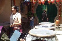 兴平的一个民俗小吃街,还有游乐场可以带小孩玩,去的路况不太好,尘土飞扬,据说是古丝绸之路的一个驿站点