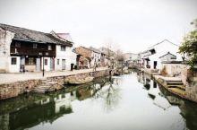鸣鹤古镇位于浙江省宁波市的慈溪市,迄今已有1200多年历史。  这个传统而又接地气的古镇,拥有典型的