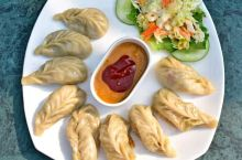巴黎的异国风味丨尼泊尔饺子