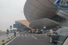 大兴国际机场,真的很大,感觉非常不错的,环境配套挺好的,非常现代化建设,相信有非常棒的运输能力