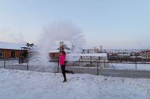 农家小院泼水成冰
