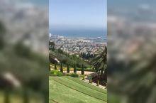 俯瞰以色列海滨城市海法,对面是美丽的地中海,巴哈伊空中花园