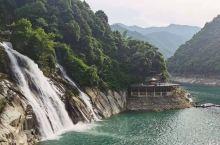 清清水,小小船,现代社会,依然使着古老的渔具,飘然洒下渔网,宁静而安然,好一派东江湖的美丽画卷展现在