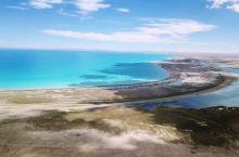 色林措是西藏最大的湖泊,从那曲班戈县到尼玛县的路上,几十公里沿湖公路,湖水美得让人心醉,,,阿里环线