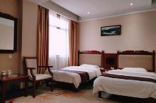 住宿体验很满意,新装修的酒店环境不错,客房干净卫生,房间风格很nice,前台美女长的漂亮,服务态度也