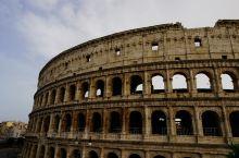 千年血色书写的''罗马斗兽场'',在所有罗马景点中独占鳌头,是游客必定打卡的地方。斗兽场建于公元前7