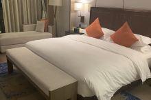 第一次住文璞酒店,体验感非常好!前台小哥哥以及酒店车库管家服务都非常好,为我们热心解决问题,还帮我们