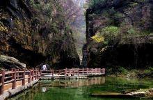 云台山风景区,位于河南省焦作市修武县境内,地处郑州市西北70千米,总面积280平方千米,含红石峡、潭